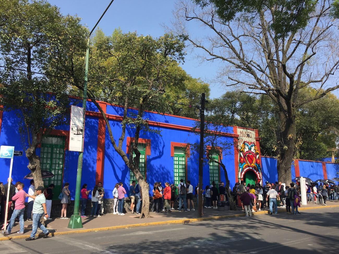 Frida Kahlo museum line